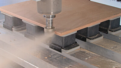 The p-System produces edges in finish-cut quality, time-consuming sanding is no longer necessary.