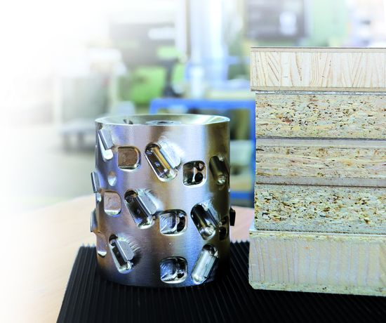 "Jointing cutters and edge trimming cutters with ""LEUCO airStream-System"" reduce noise and increase the chip caption degree up to 99 per cent on through-feed machines. The ""DIAMAX airStream-System"" jointing cutter has been successfully in operation since October 2016. For the new cutting principle, LEUCO and HOLZ-HER have received an enthusiastic feedback from customers."